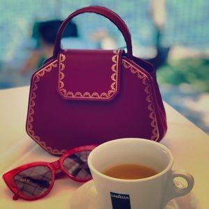 ❤️ Happy Poshing! Guirlande de Cartier bag. ❤️